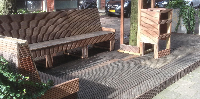 Terrasvloer met zitgelegenheid